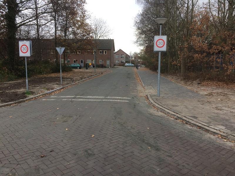 Koper bv herinrichting pastoor verhoeffpark breezand for Woningbouwvereniging anna paulowna